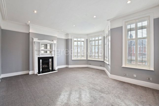 Thumbnail Terraced house to rent in Windermere Road, Muswell Hill, London