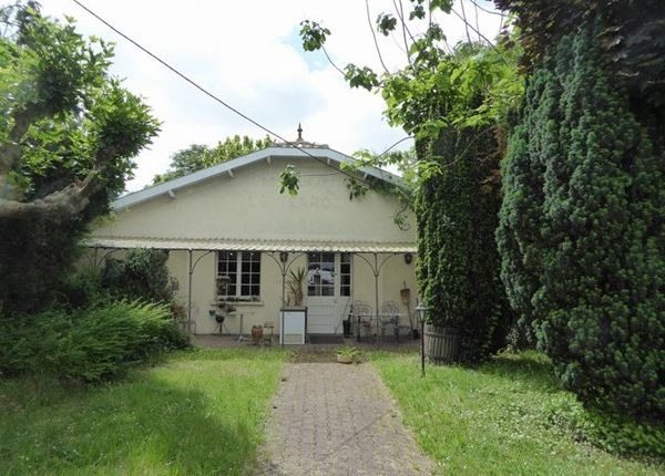 5 bed property for sale in 33330, Saint-Pey-D'armens, Fr