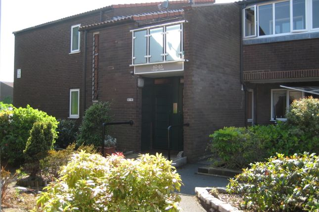 Thumbnail Flat to rent in Iveagh Close, Palace Fields, Runcorn