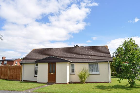 2 bed bungalow for sale in Townlands, Willand, Cullompton