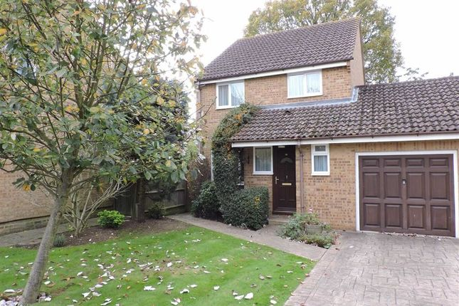 3 bed link-detached house for sale in Viscount Gardens, Byfleet, West Byfleet