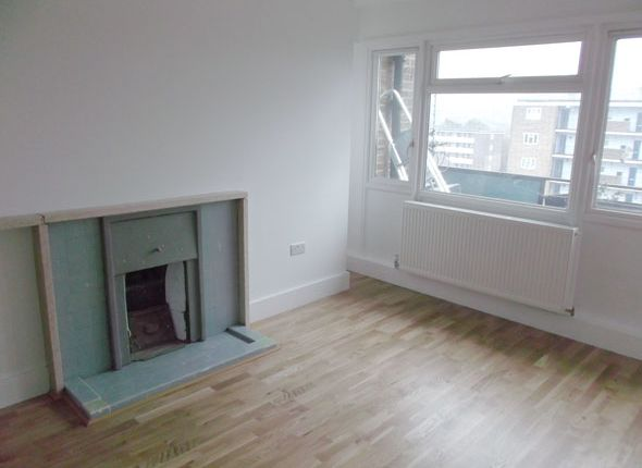 Thumbnail Flat to rent in Lowth Road, Camberwell