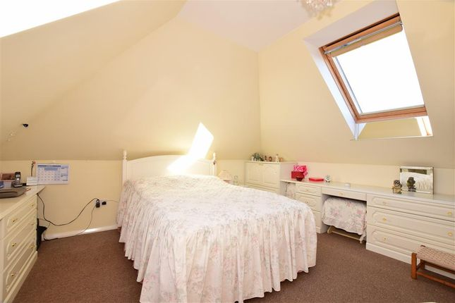 Thumbnail Flat for sale in Alinora Avenue, Goring By Sea, Worthing, West Sussex