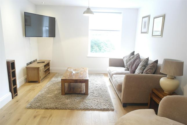 2 bed detached house to rent in George Street, Hull HU1