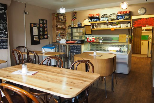 Thumbnail Restaurant/cafe for sale in Cafe & Sandwich Bars L40, Mawdesley, Lancashire