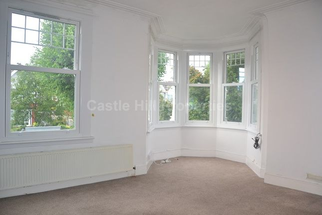 1 bed flat to rent in St Stephens Avenue, West Ealing, London.