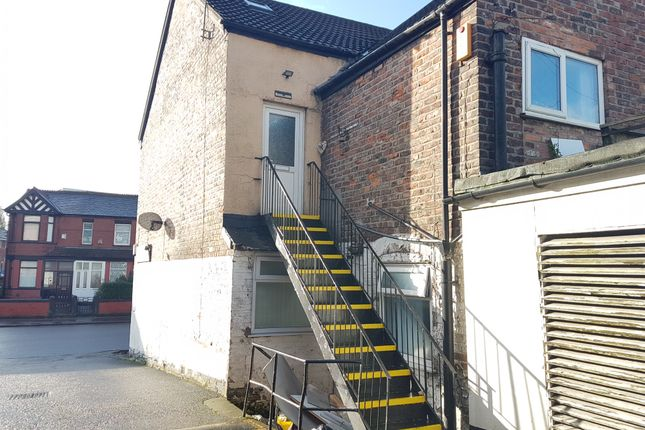 Thumbnail Terraced house to rent in Barlow Road, Manchester
