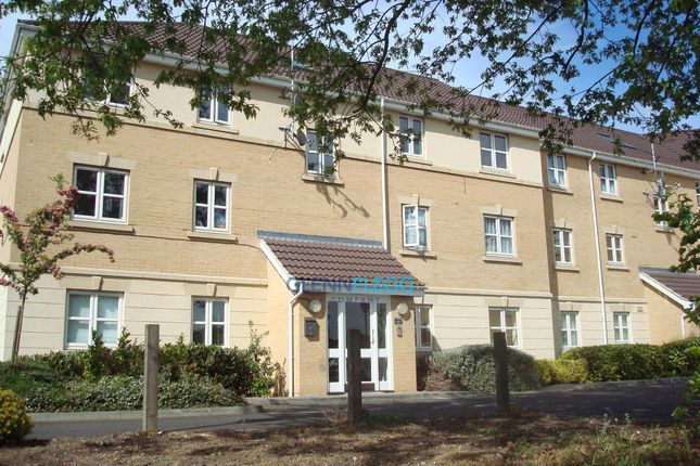 Thumbnail Flat to rent in Scholars Walk, Langley, Slough