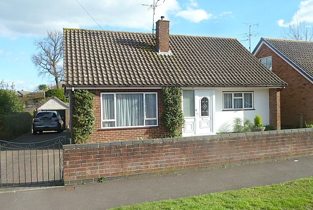 Thumbnail Detached bungalow for sale in Lanehays Road, Hythe