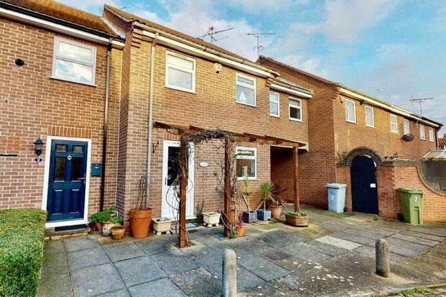Thumbnail Terraced house for sale in Pelham Close, Newark