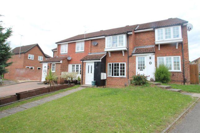 Thumbnail Terraced house to rent in The Foxgloves, Hemel Hempstead