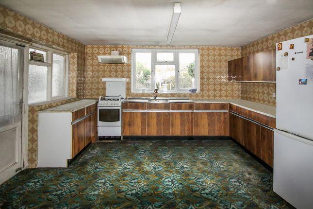 ... Kitchen Of Berkshire Gardens, Palmers Green N13 ...
