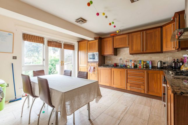Thumbnail Property to rent in Garrison Road, Bow, London