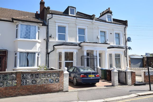 Thumbnail Property to rent in Langthorne Road, Leytonstone, London