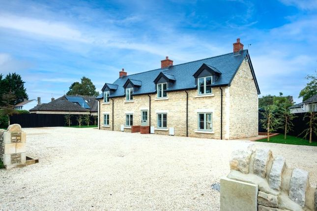1 bed flat for sale in Plot 8, Stonemason's Court, Witney Road, Long Hanborough, Oxon OX28