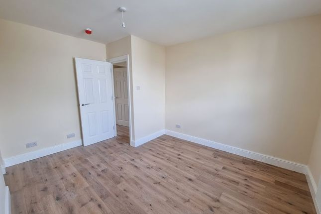 Thumbnail Flat to rent in Hornsey Road, Finsbury Park, London