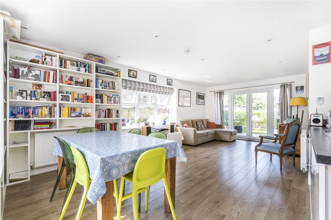 Thumbnail Flat for sale in Florence Way, London
