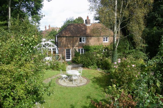 Thumbnail Cottage for sale in East End, Newbury