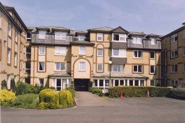 Thumbnail Flat for sale in Newcomb Court, Stamford