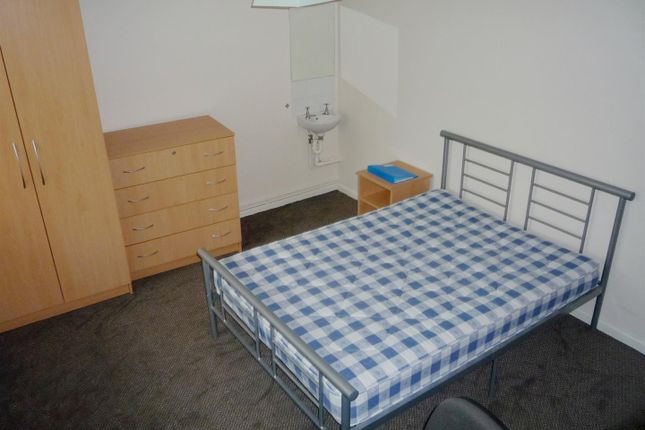 Thumbnail Property to rent in Hyde Grove, Manchester
