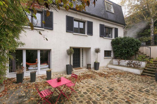 Thumbnail Property for sale in Fontenay Sous Bois, Outside Paris (30Kms +), France