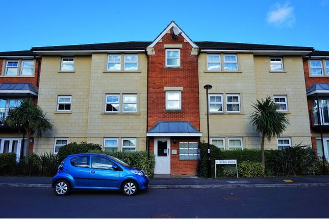 Thumbnail Flat to rent in Cirrus Drive, Reading