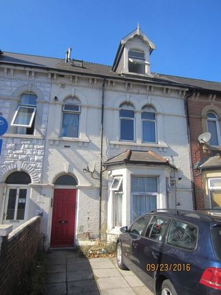 Thumbnail Bungalow to rent in Clive Street, Cardiff