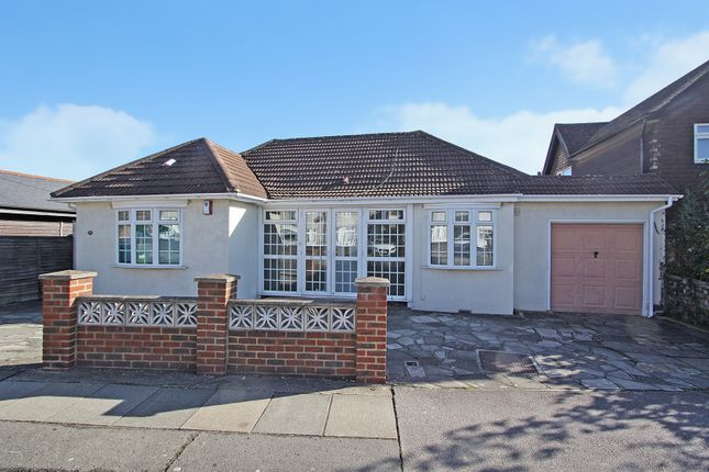 Thumbnail Bungalow to rent in Pickford Road, Bexleyheath