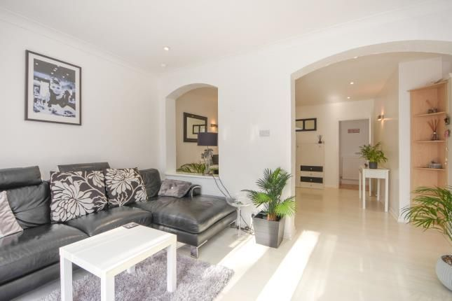 Open Plan of South Crescent, Southend-On-Sea SS2