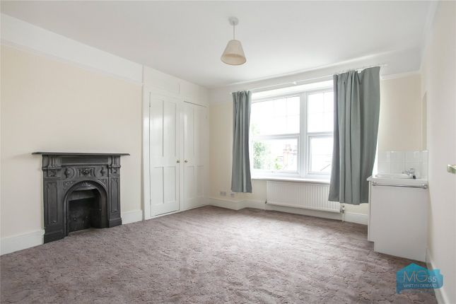 Thumbnail End terrace house to rent in Oakfield Road, Crouch End, London