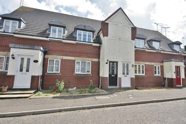 Thumbnail Maisonette to rent in Stanley Rise, Springfield, Chelmsford