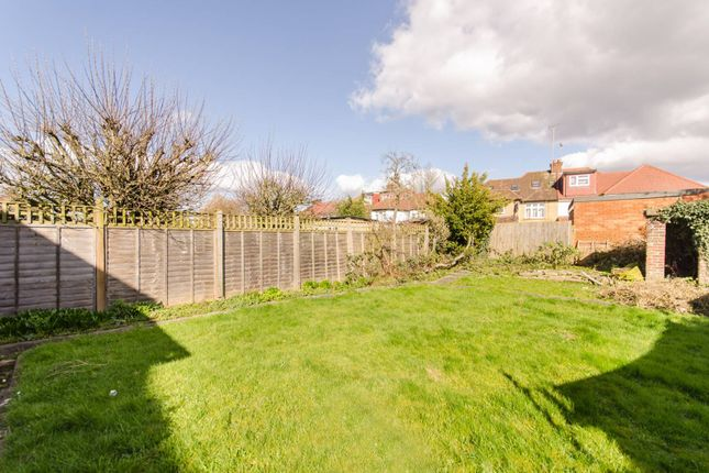 Thumbnail Property for sale in Queenscourt, Wembley