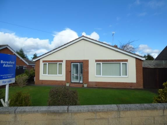 Thumbnail Bungalow for sale in Linthorpe Road, Buckley, Flintshire