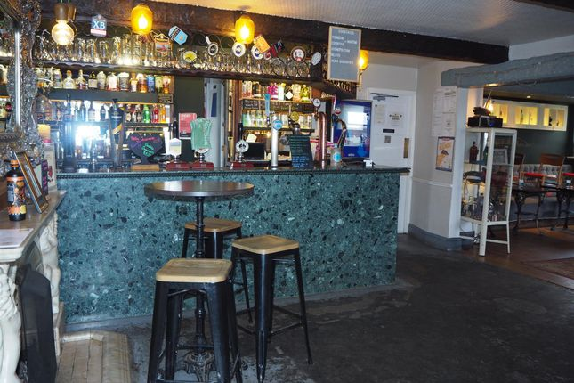 Pub/bar for sale in Licenced Trade, Pubs & Clubs WF12, Briestfield, West Yorkshire