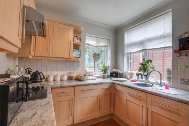 Thumbnail Semi-detached house to rent in Bromfield Road, Redditch