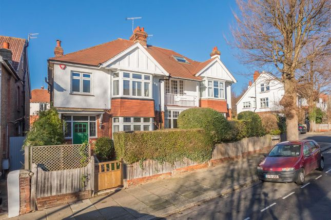 Thumbnail Property for sale in Wilbury Crescent, Hove