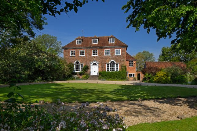 Picture No. 01 of Grendon Underwood, Aylesbury HP18