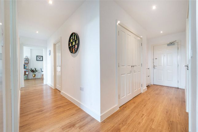 Picture No. 13 of Sunflower Court, Finsbury Park, London N4