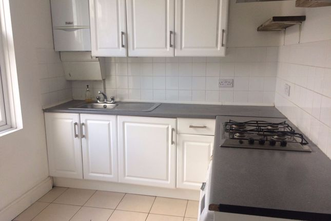 Thumbnail Flat to rent in Clarence Road, London
