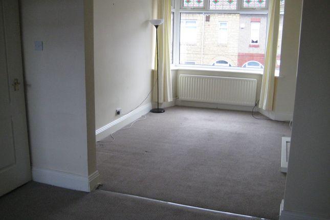 2 bed flat to rent in Frobisher Street, Hebburn NE31