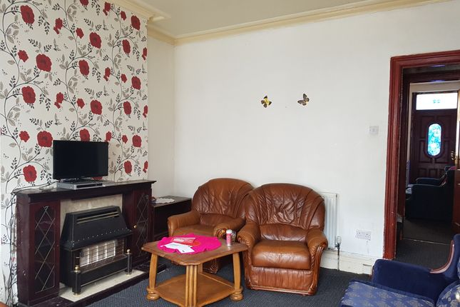 Thumbnail Terraced house to rent in Roslyn Place, Bradford
