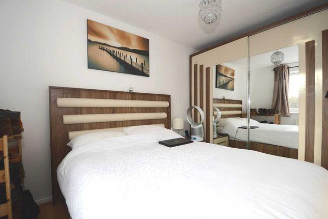 Thumbnail Flat to rent in Laburnum Close, Friern Barnet, London