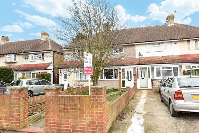 2 bed terraced house for sale in Swan Close, Hanworth, Feltham
