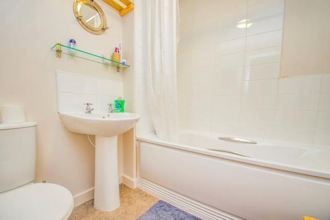 Bathroom of Branch Road, Burnley, Lancashire BB11