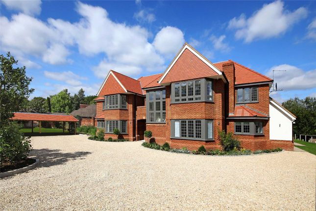 Thumbnail Flat for sale in Woodchester Park, Knotty Green, Beaconsfield, Buckinghamshire