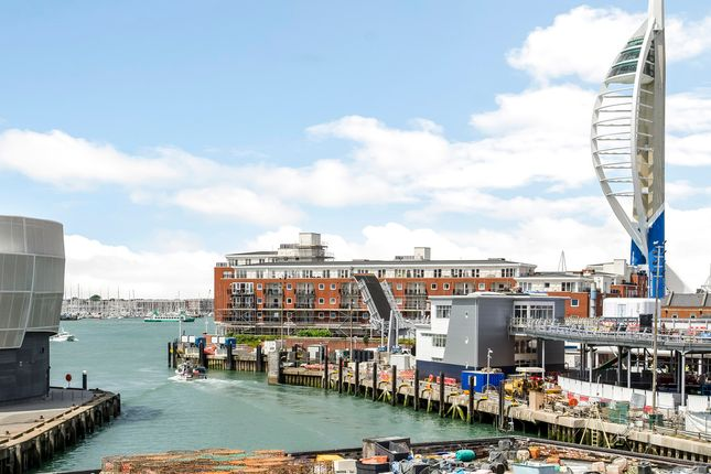 Thumbnail Town house for sale in White Hart Road, Portsmouth