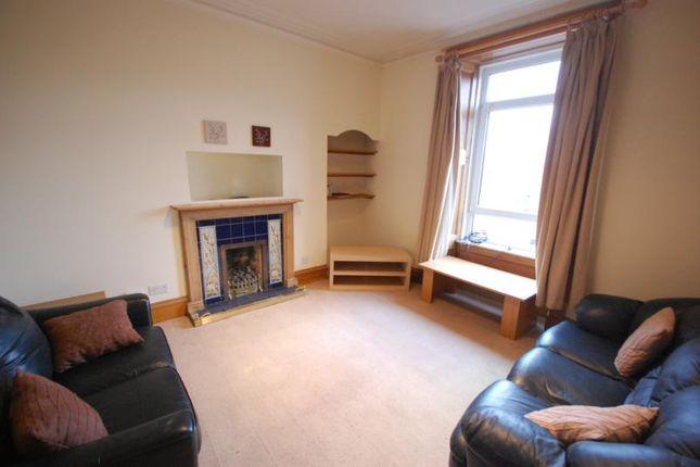 2 bed flat to rent in Esslemont Avenue, Aberdeen
