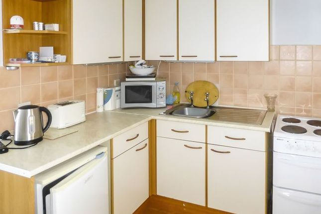 Kitchen of Beach Road, Great Yarmouth NR29