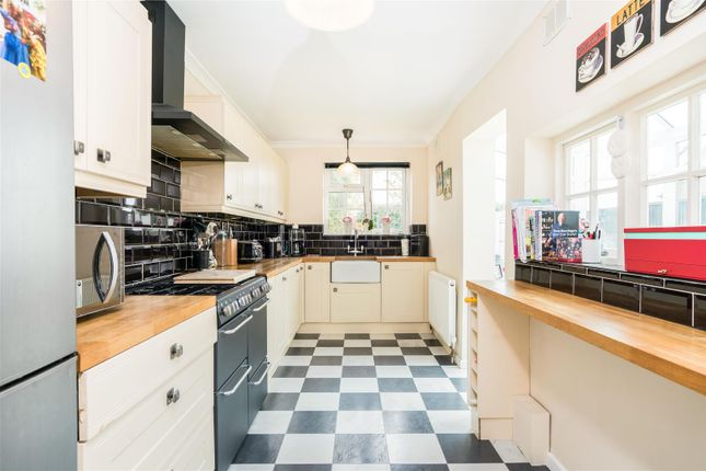 3 bed semi-detached house for sale in Smithy Lane, Lower Kingswood