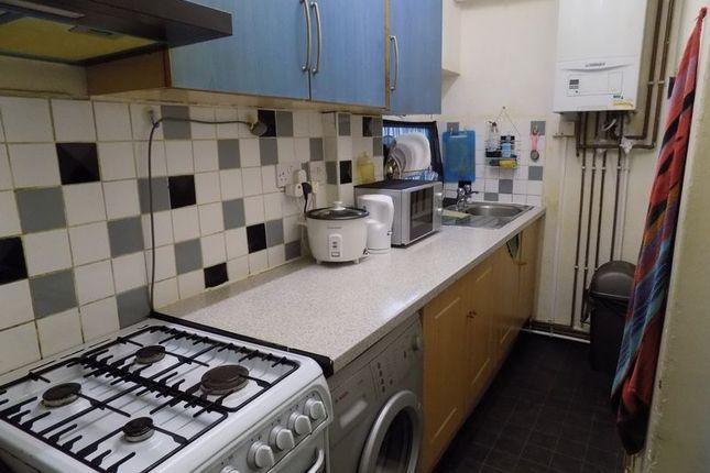 Kitchen of Maudsley Street, Bradford BD3